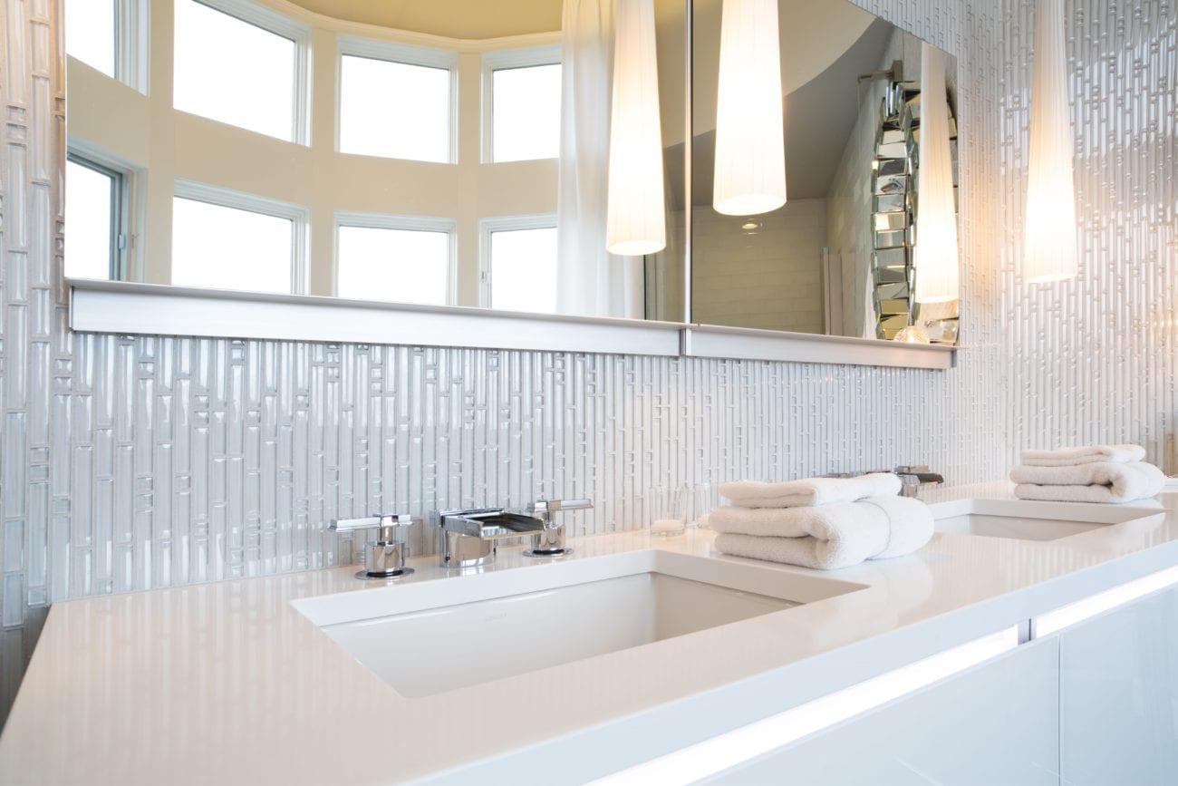 Hawthorne Tile   Glamorous White Tile Bathroom