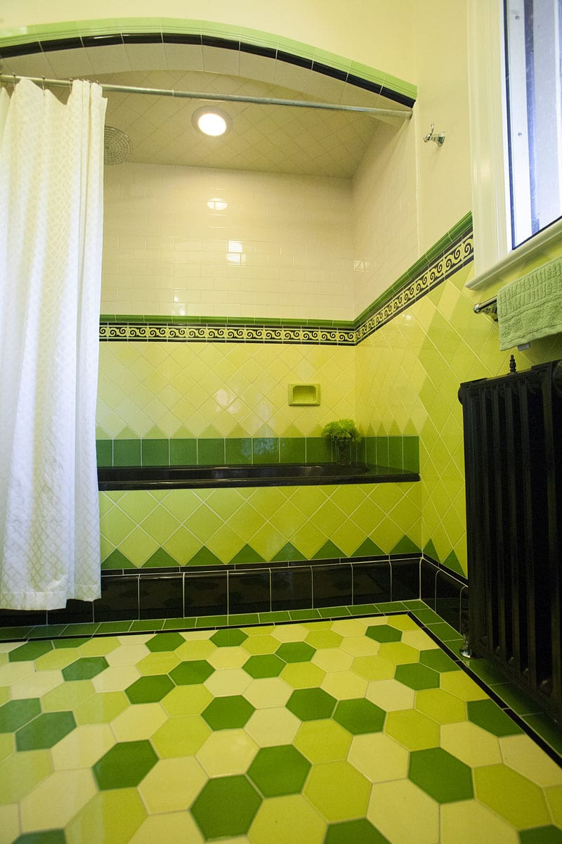 Hawthorne Tile Colorful Art Deco Bathrooms
